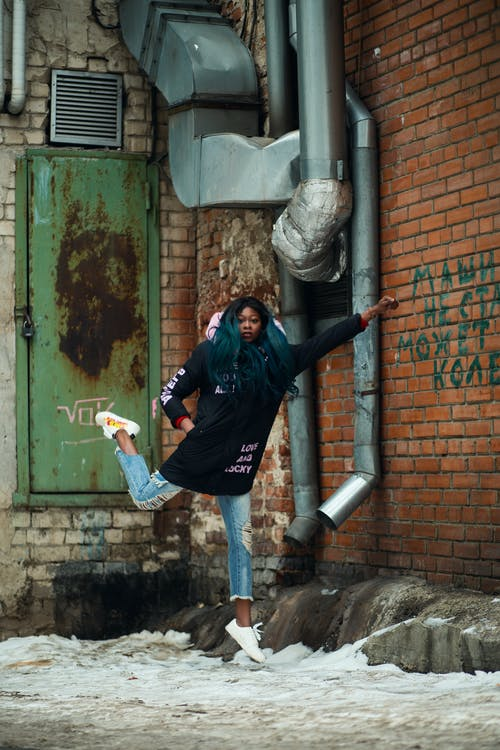 Darmowe zdjęcie z galerii z afroamerykanka, afrykanin, akcja, czarna dziewczyna