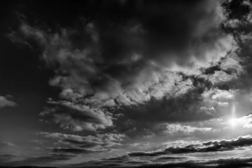 Gratis arkivbilde med dramatisk, dramatisk himmel, kveld-sky, landskap