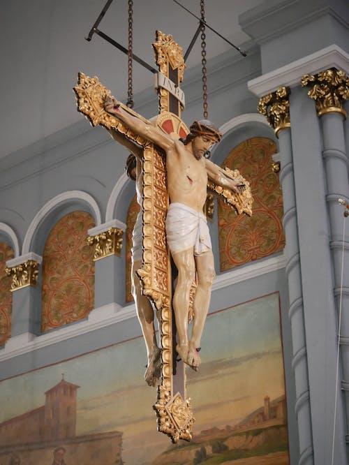 Foto profissional grátis de católico, crucifixo, estátua