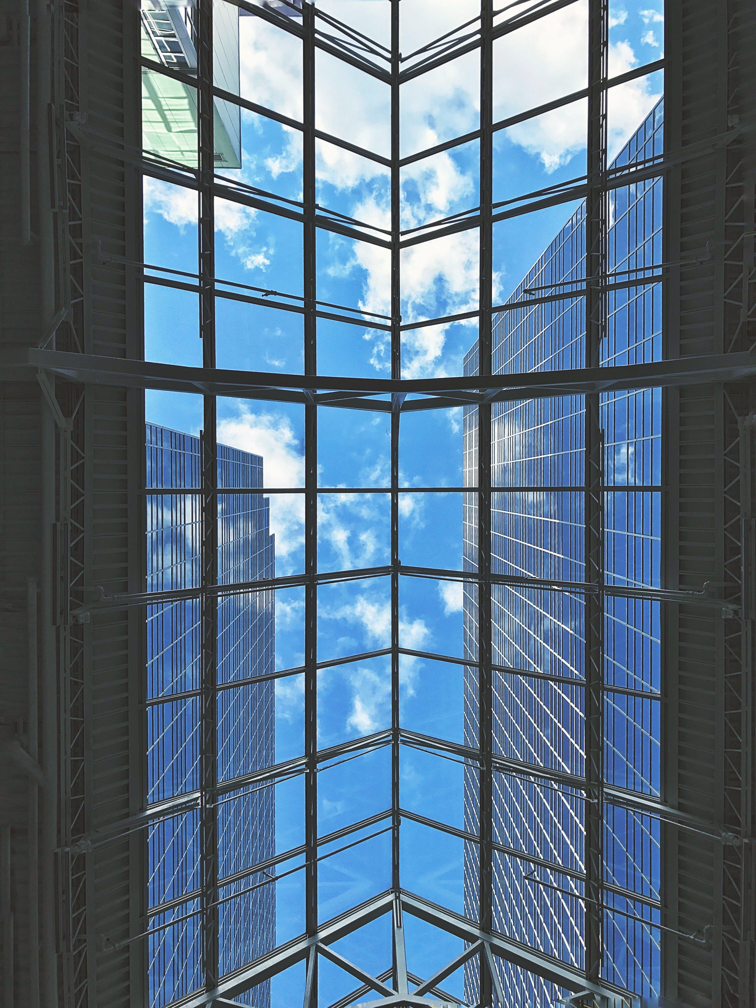 Kostenloses Stock Foto zu architektonisch, architekturdesign, aufnahme von unten, aussicht
