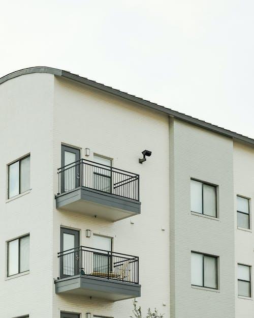 Δωρεάν στοκ φωτογραφιών με γυάλινα παράθυρα, διαμέρισμα, εξωτερικός χώρος