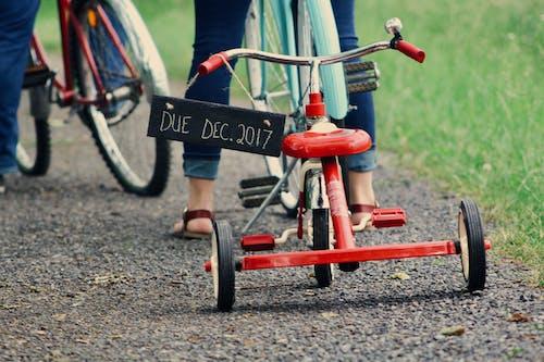 Immagine gratuita di bambino, bicicletta, ciclista, ciottoli