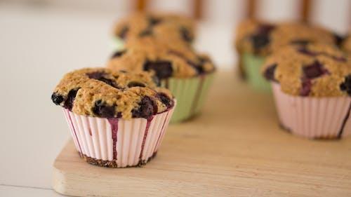 Kostenloses Stock Foto zu backen, blaubeer-muffins, cupcakes, essen
