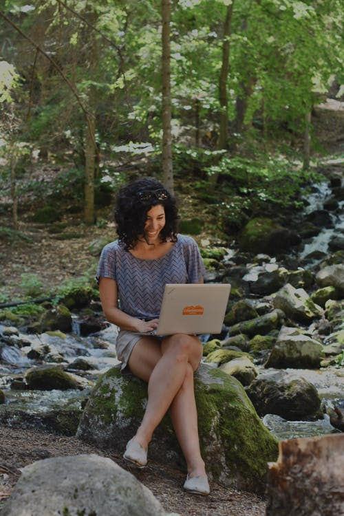 Základová fotografie zdarma na téma digitální nomád, notebook, osoba