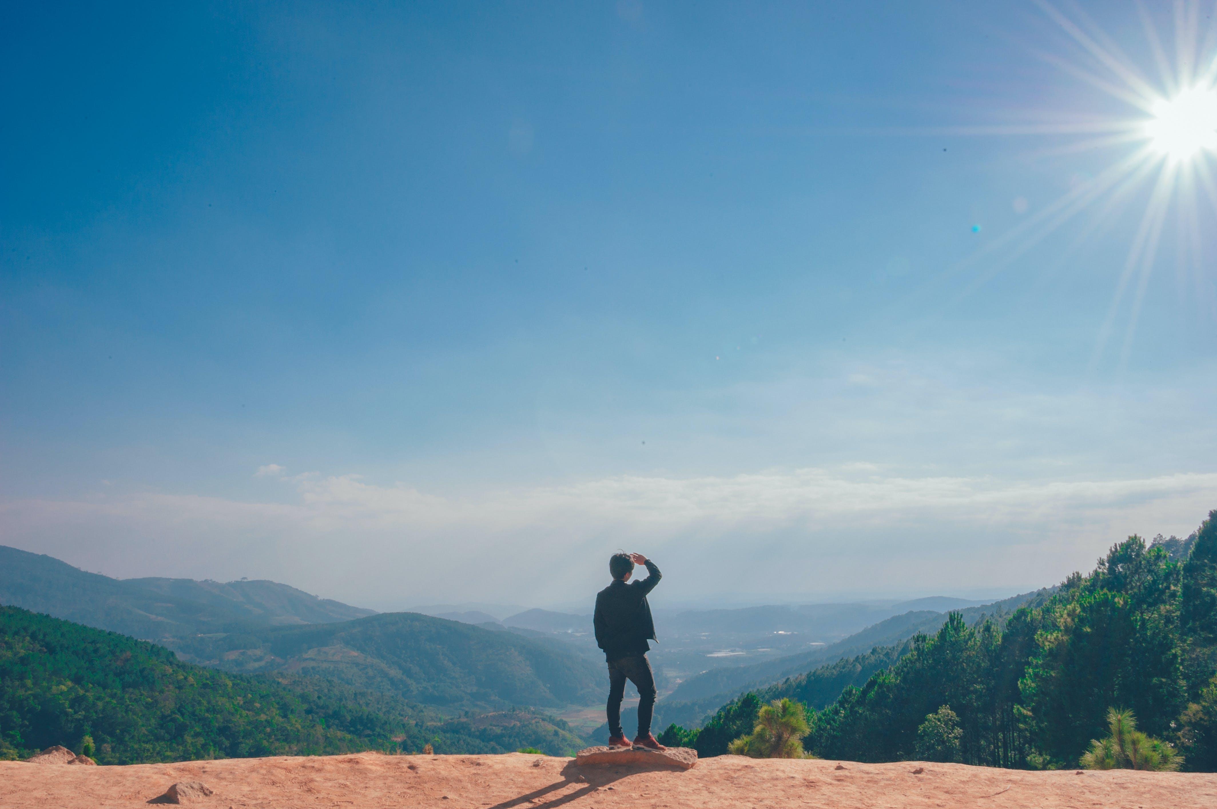 Základová fotografie zdarma na téma denní světlo, hory, malebný, muž