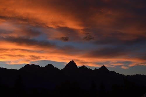 Immagine gratuita di cielo, montagna, nuvole, tramonto