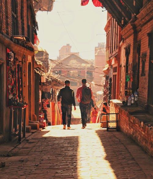 거리, 건축, 건축 양식, 걷고 있는의 무료 스톡 사진