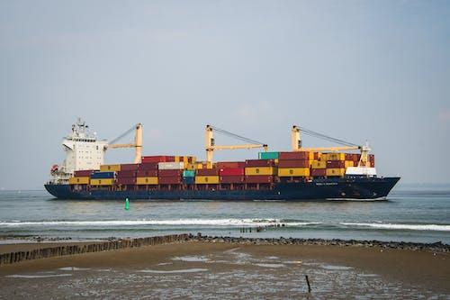 Fotos de stock gratuitas de al aire libre, barco de carga, barco mercante