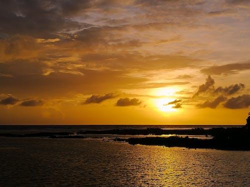 Ảnh lưu trữ miễn phí về bãi biển, bầu trời đầy kịch tính, bình Minh, bờ biển