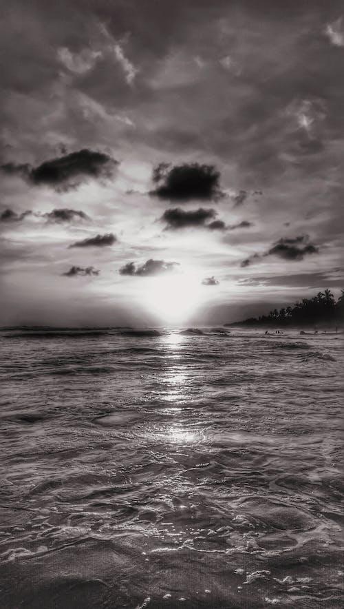 Ilmainen kuvapankkikuva tunnisteilla dramaattinen, hiekkaranta, meri, merimaisema
