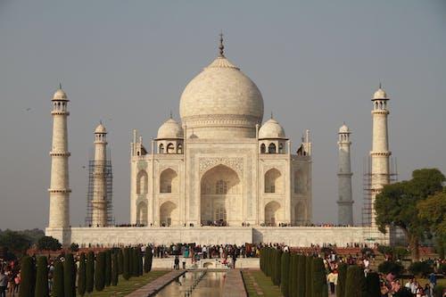 Amazing Taj Mahal under Gloomy SKy