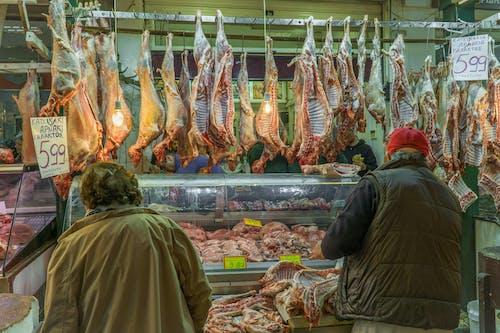 Gratis lagerfoto af gedekød, kunder, kød marked, marked