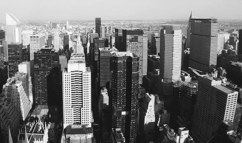 Ảnh lưu trữ miễn phí về bắn từ trên không, các tòa nhà, cảnh quan thành phố, đen và trắng