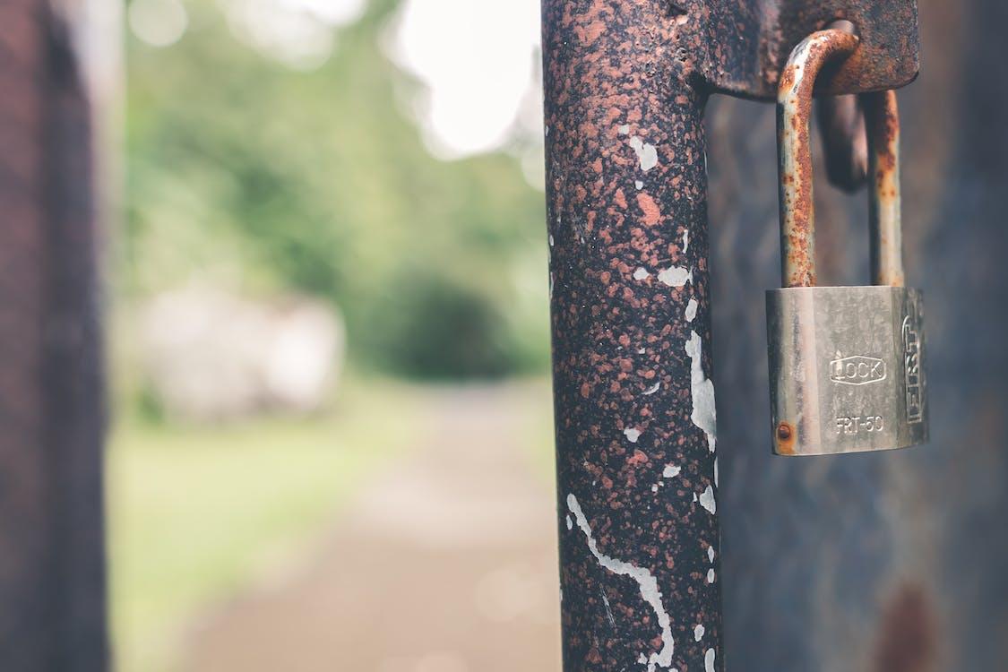 Fotos de stock gratuitas de a salvo, acceso, acero