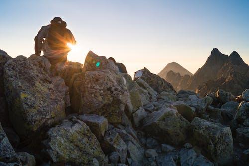 Δωρεάν στοκ φωτογραφιών με Ανατολή ηλίου, άνδρας, άνθρωπος, βουνά