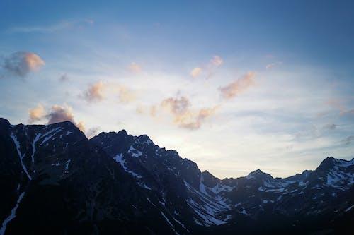 Δωρεάν στοκ φωτογραφιών με αλπική λίμνη, βουνά, βουνό, γαλάζιος ουρανός