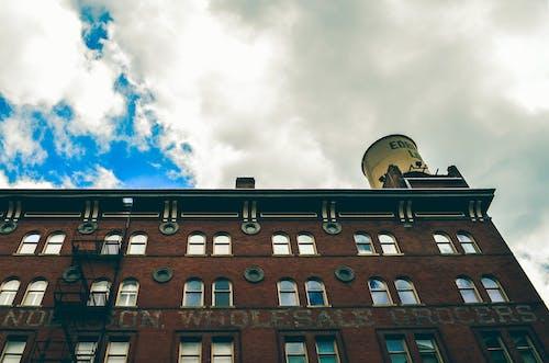 Gratis stockfoto met architectuur, bedrijf, buiten, buitenkant