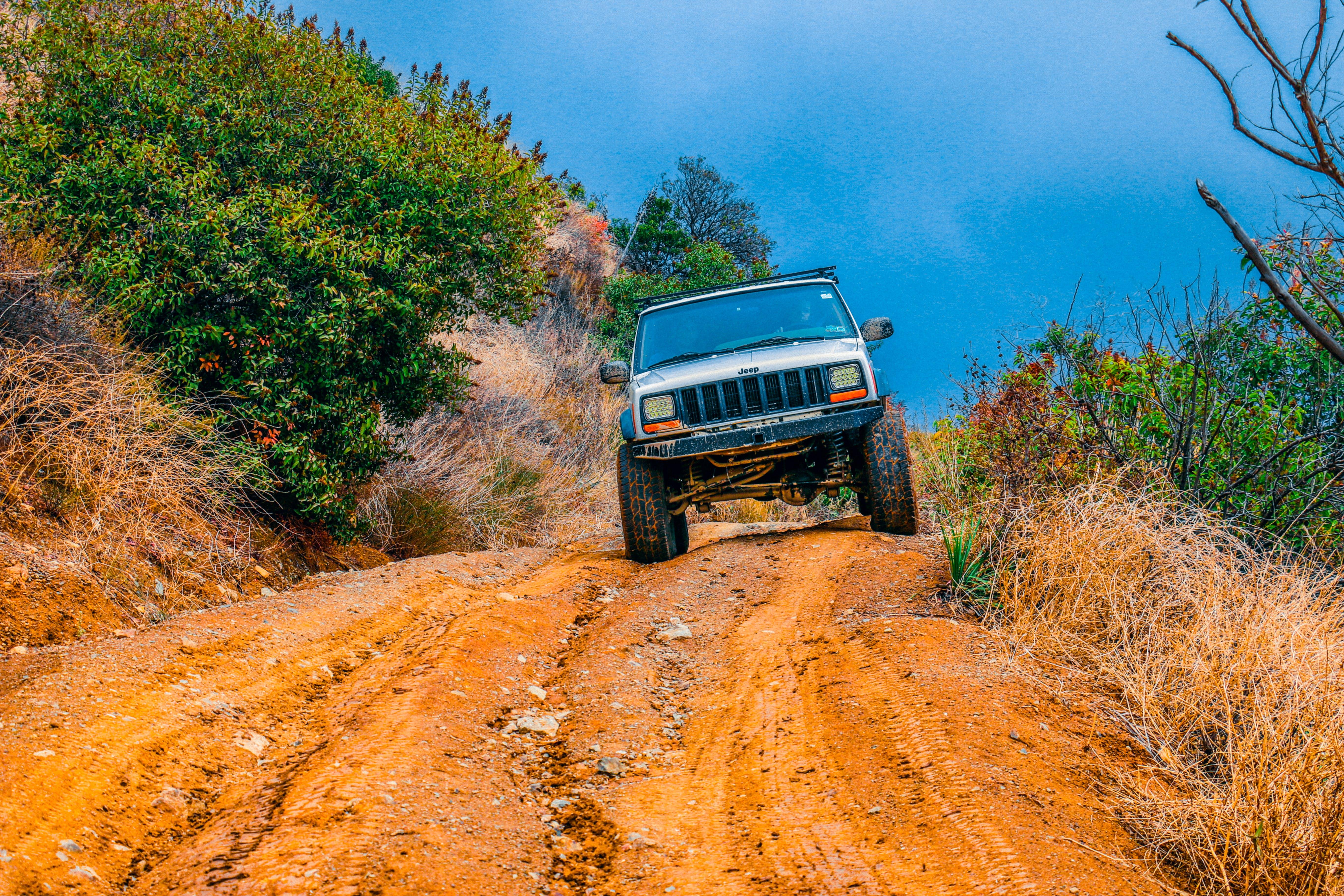 Darmowe zdjęcie z galerii z droga, droga polna, gleba, jeep