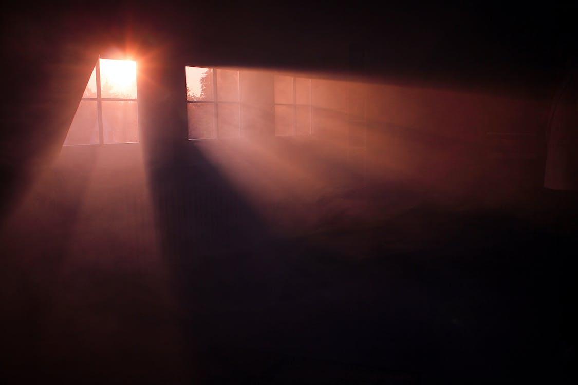 всередині, Захід сонця, кімната