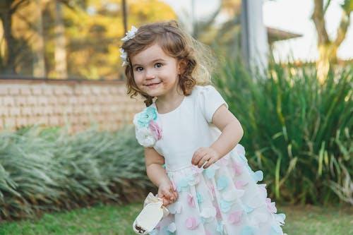 Photos gratuites de adorable, content, désordonné