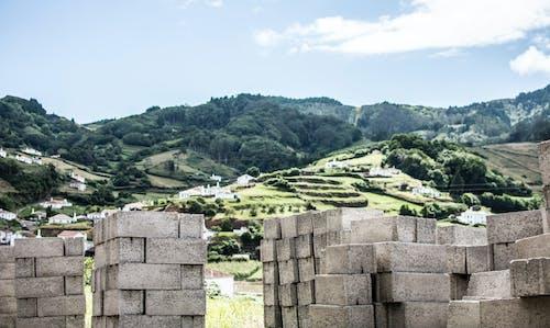 Kostenloses Stock Foto zu beton, betonblöcke, landschaft, tageslicht