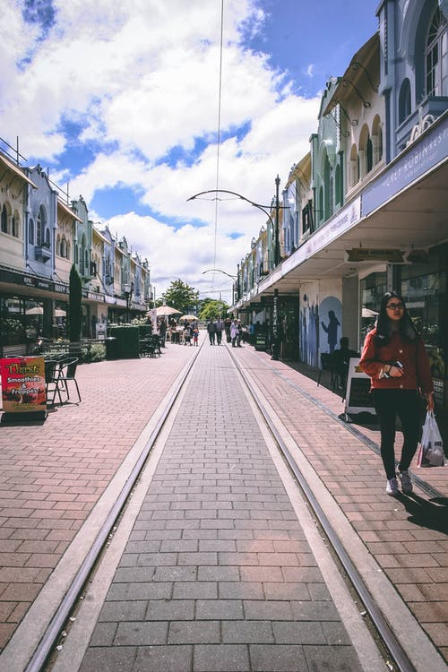 Fotos de stock gratuitas de calle, cdb, dos historias, ferrocarril