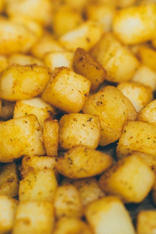 Foto profissional grátis de alimento, almoço, assado, batatas