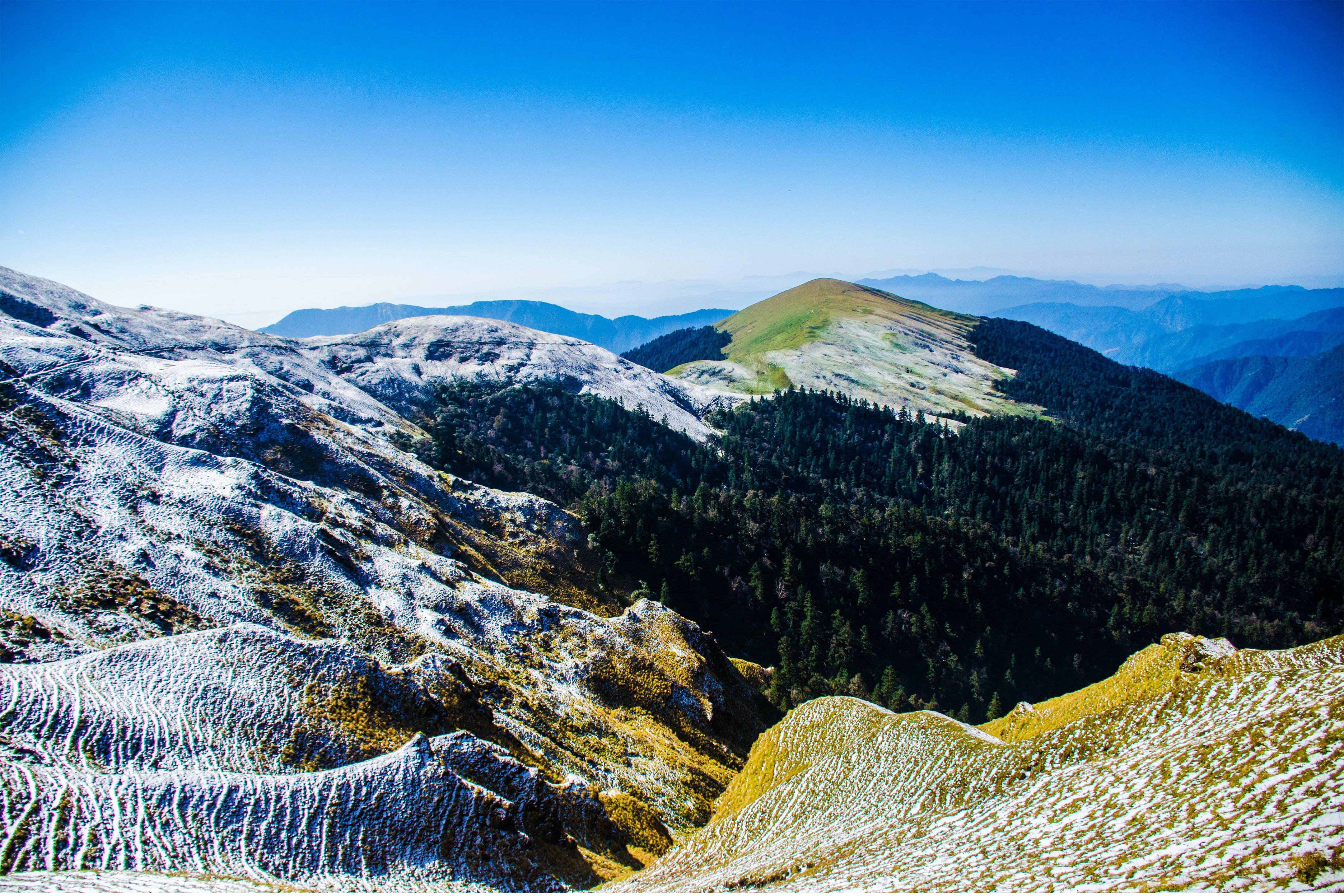 山岳, 晴天, 木, 環境の無料の写真素材
