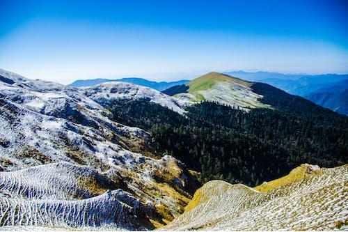 Fotobanka sbezplatnými fotkami na tému divá príroda, hory, jasná obloha, krajina