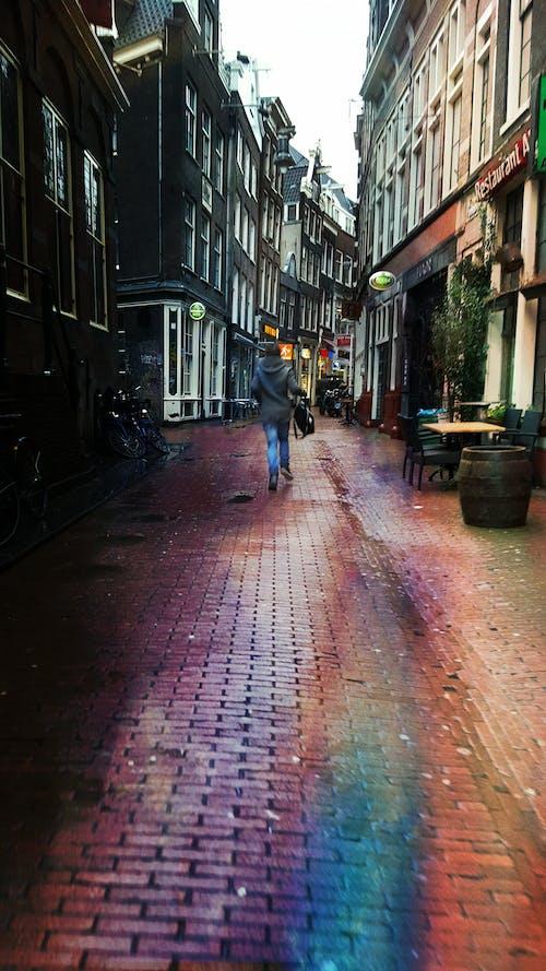 Безкоштовне стокове фото на тему «#minimalist #city #streets #rainbow»