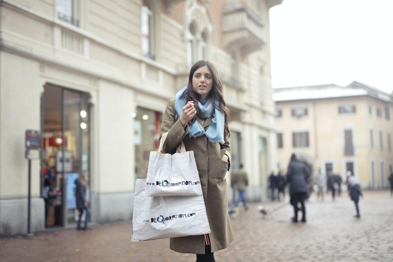 Ảnh lưu trữ miễn phí về áo khoác, khăn quàng cổ, mua, mua sắm