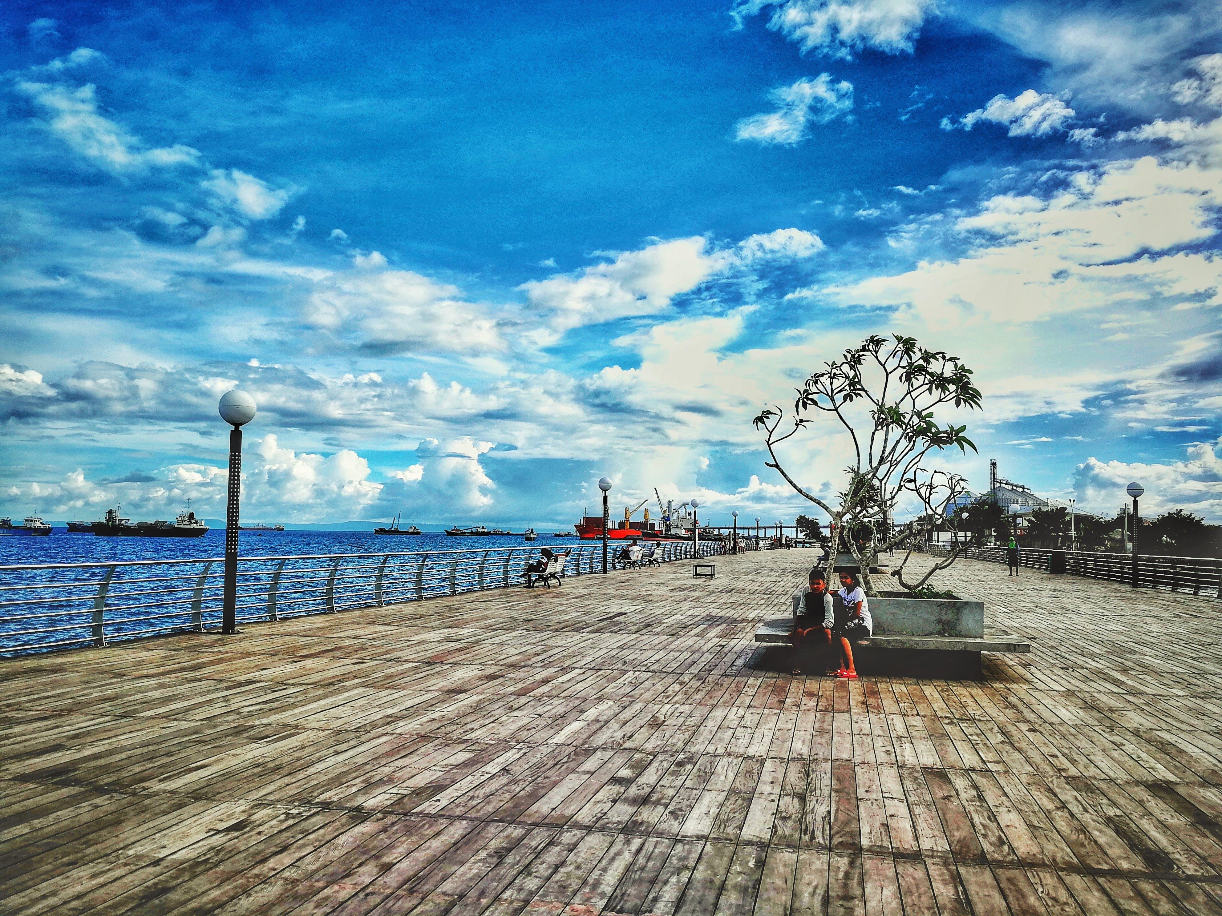 구름, 나무 판자, 마리나, 만의 무료 스톡 사진