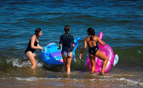 Kostnadsfri bild av flicka, gummibåtar, jolle