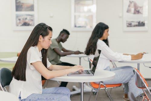 Kostenloses Stock Foto zu akademisch, asiatische frau, ausbildung