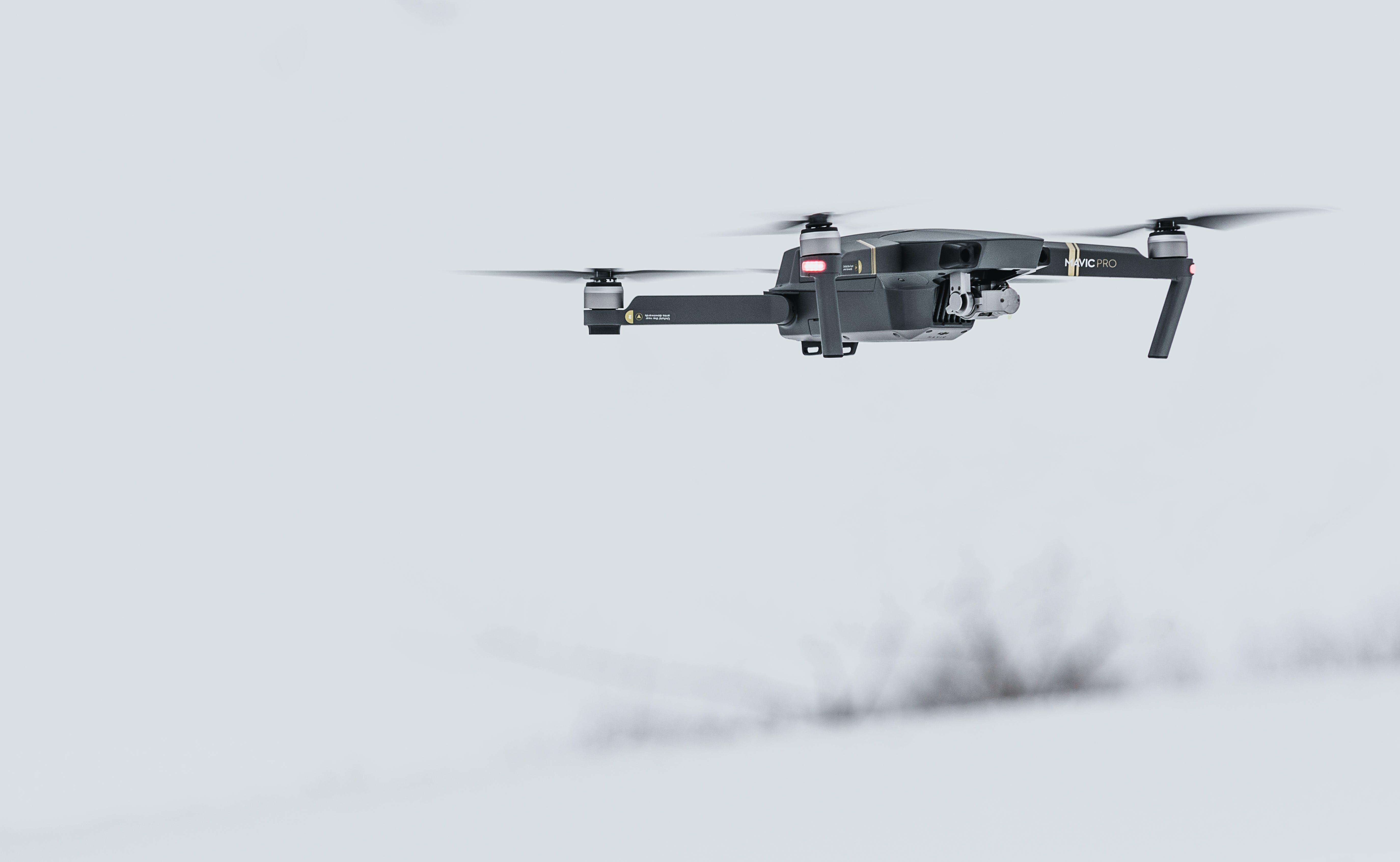 Darmowe zdjęcie z galerii z aparat, dron, elektronika, latanie