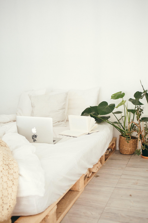 Gratis arkivbilde med avslapping, bærbar datamaskin, design, frilans