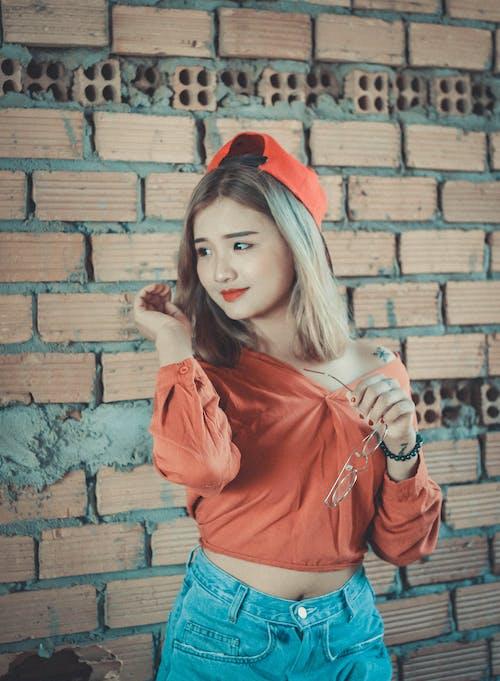 Kostenloses Stock Foto zu blond, erwachsener, fashion, fotoshooting