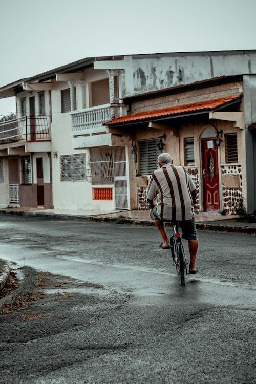 Kostenloses Stock Foto zu bürgersteig, fahrrad, gehweg
