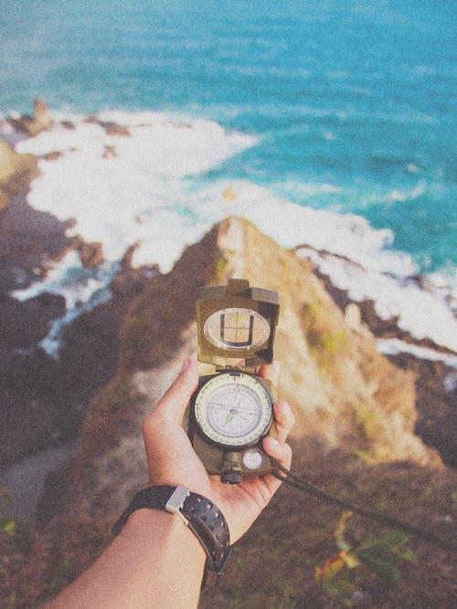 Gratis lagerfoto af Analog, armbåndsur, folk