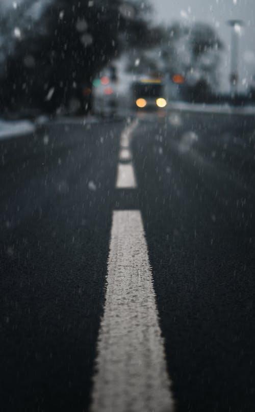 Ingyenes stockfotó autó, egyszínű, esőcseppek témában