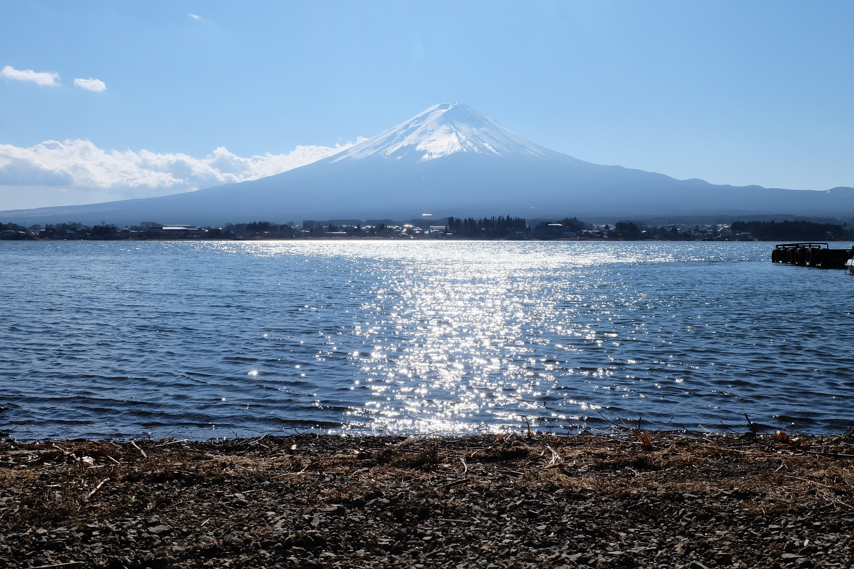 dağ, deniz, doğa, gün ışığı içeren Ücretsiz stok fotoğraf