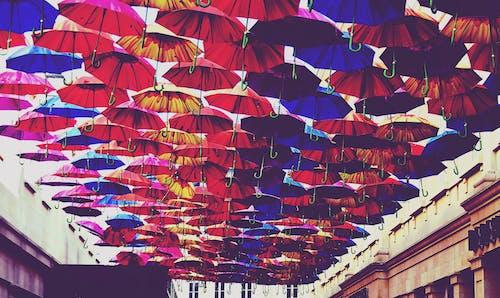Ilmainen kuvapankkikuva tunnisteilla abstrakti, ainutlaatuinen, aurinkovarjo, festivaali