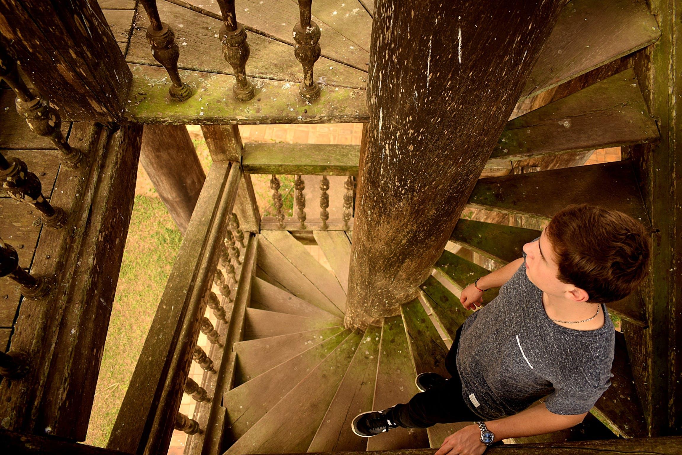 Foto d'estoc gratuïta de art, blanc, escales, espiral