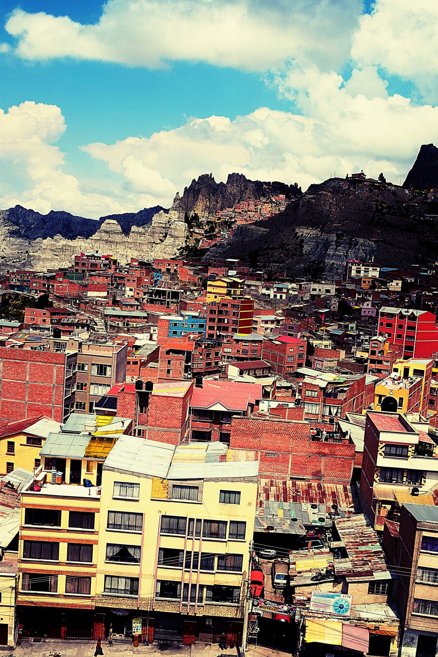 Foto d'estoc gratuïta de barri baix, brut, ciutat ombrívola, favela