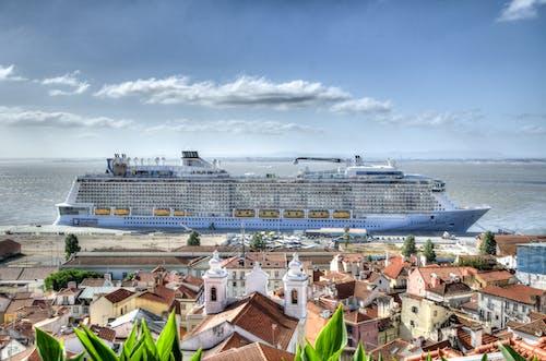 1000 Engaging Cruise Ship Photos Pexels Free Stock Photos