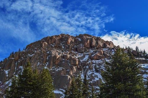 Δωρεάν στοκ φωτογραφιών με βουνό, βράχια, γραφικός, δέντρα