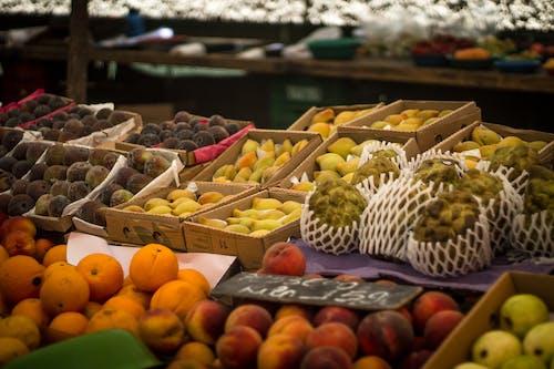 Foto d'estoc gratuïta de Assortiment, comercialitzar, estany de fruita