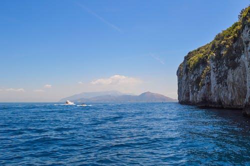Foto profissional grátis de água, barcos, beira-mar, cênico
