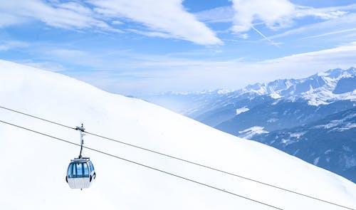 Foto profissional grátis de altitude, alto, bonde, cênico