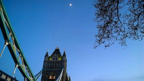 倫敦, 半月, 塔橋, 夜空 的 免費圖庫相片